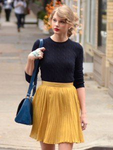 taylor-swift-pleats-de