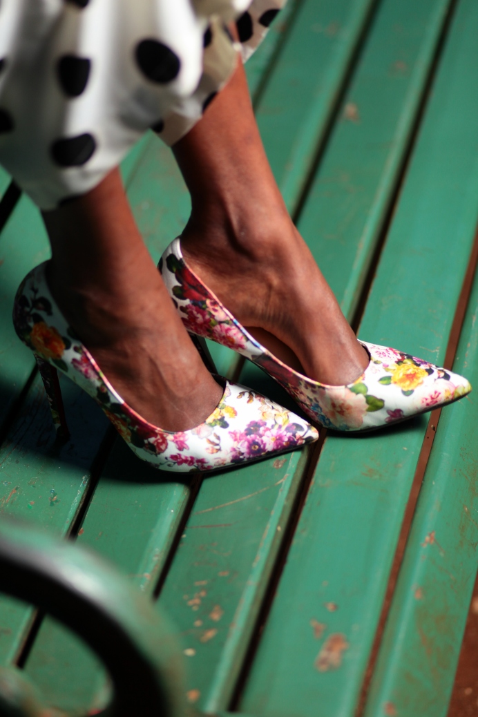 reina's floral shoes