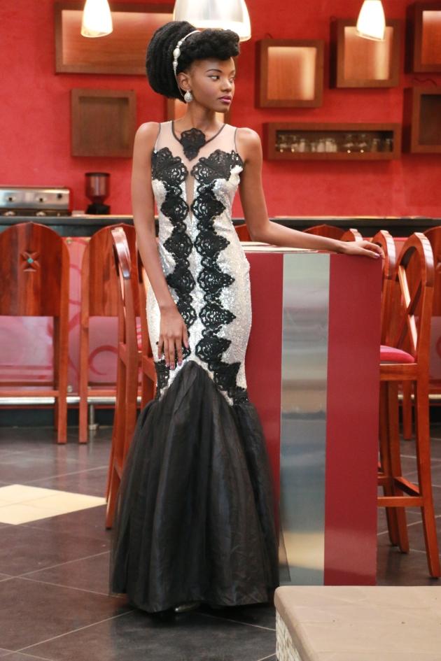Fashion Blogger Kenya Reina